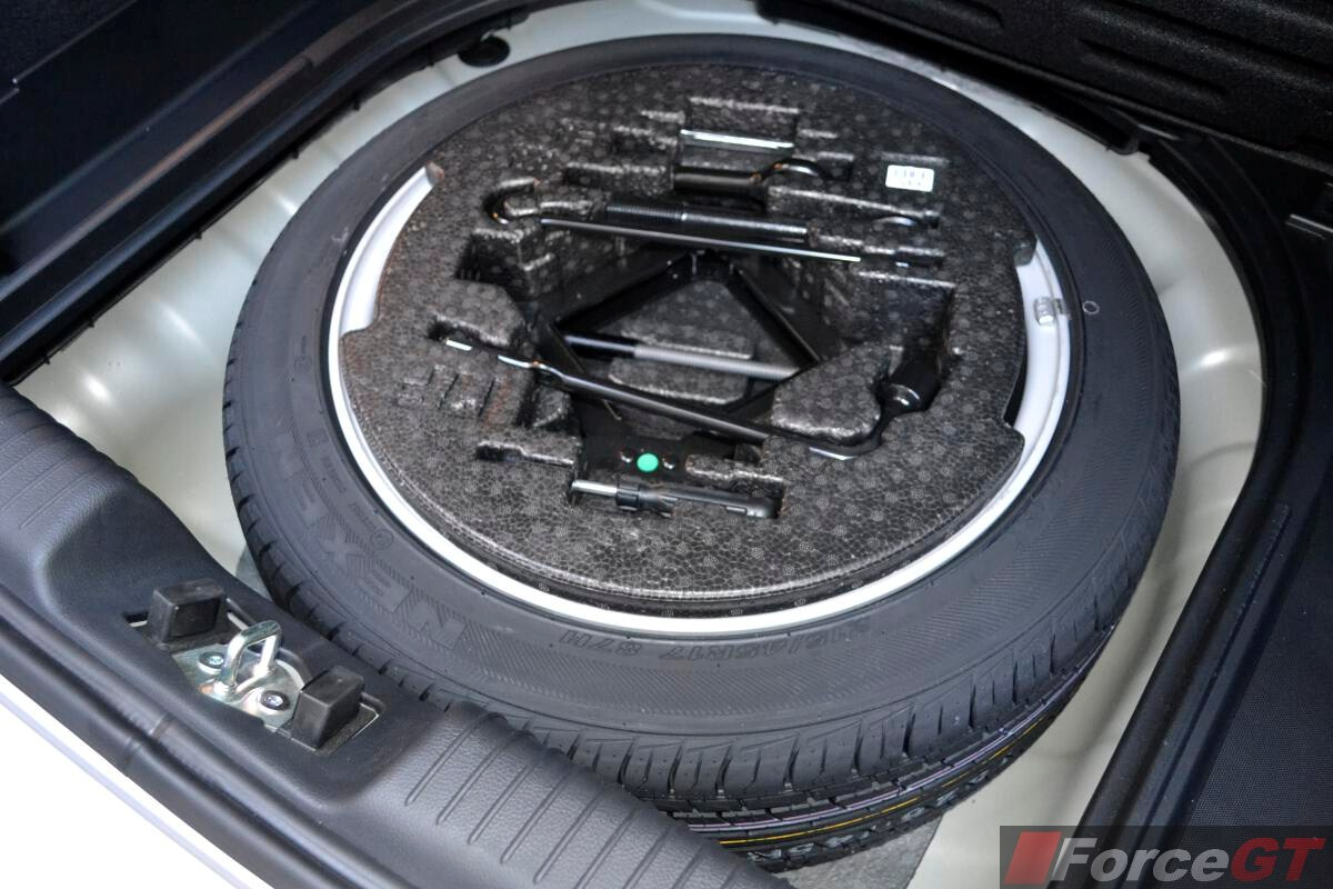 Kia Cerato Review: 2013 Kia Cerato Hatch