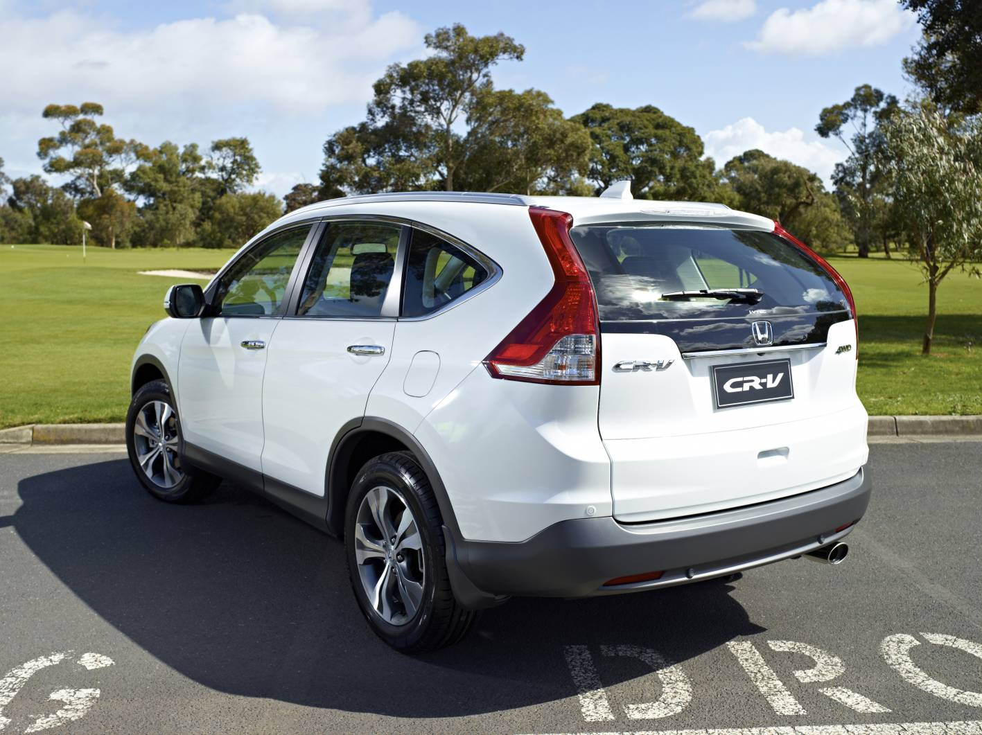 2014 Honda CR V Diesel Rear Quarter
