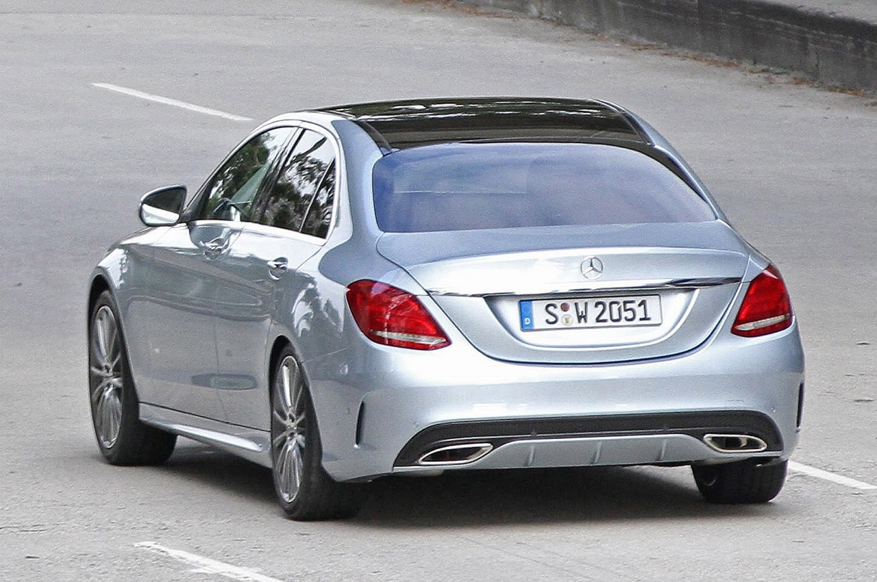 Mercedes cars news 2014 c class spotted undisguised for 2014 mercedes benz a class