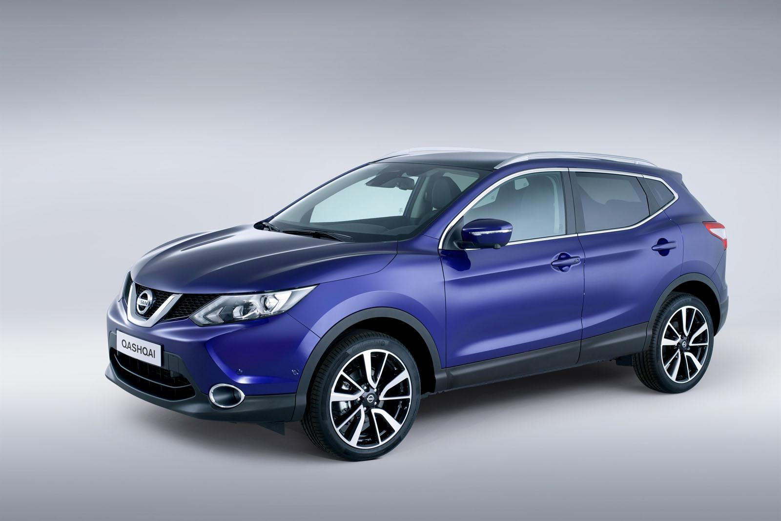 2014 Nissan Qashqai Blue Front Quarter on first toyota camry