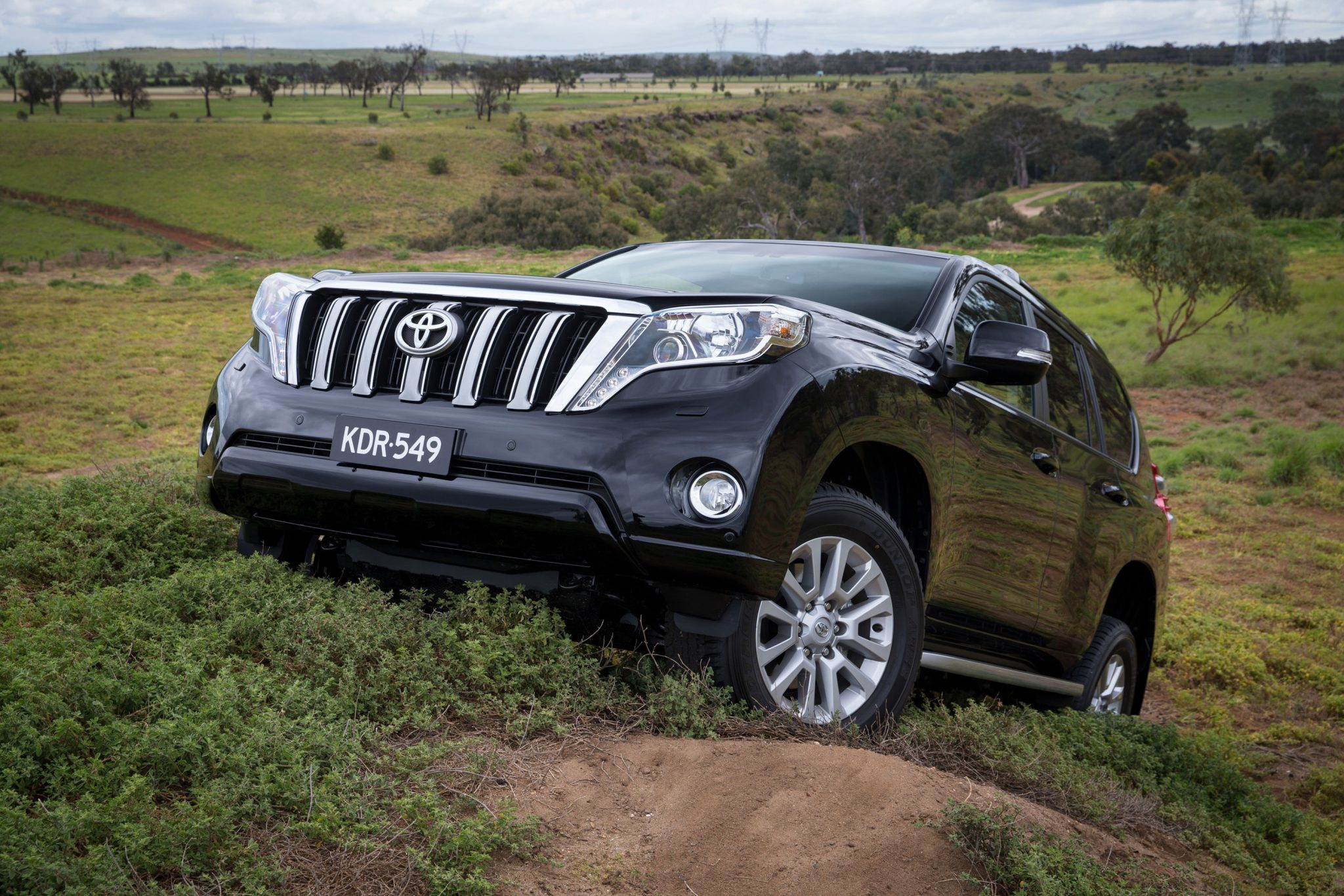 Toyota Cars - News: 2014 LandCruiser Prado updated