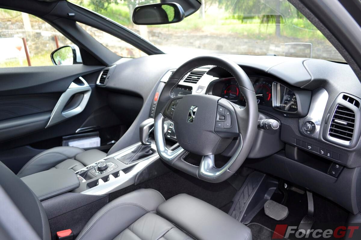 Citroen ds5 review 2013 ds5 dashboard driver 39 s side for Interieur ds5