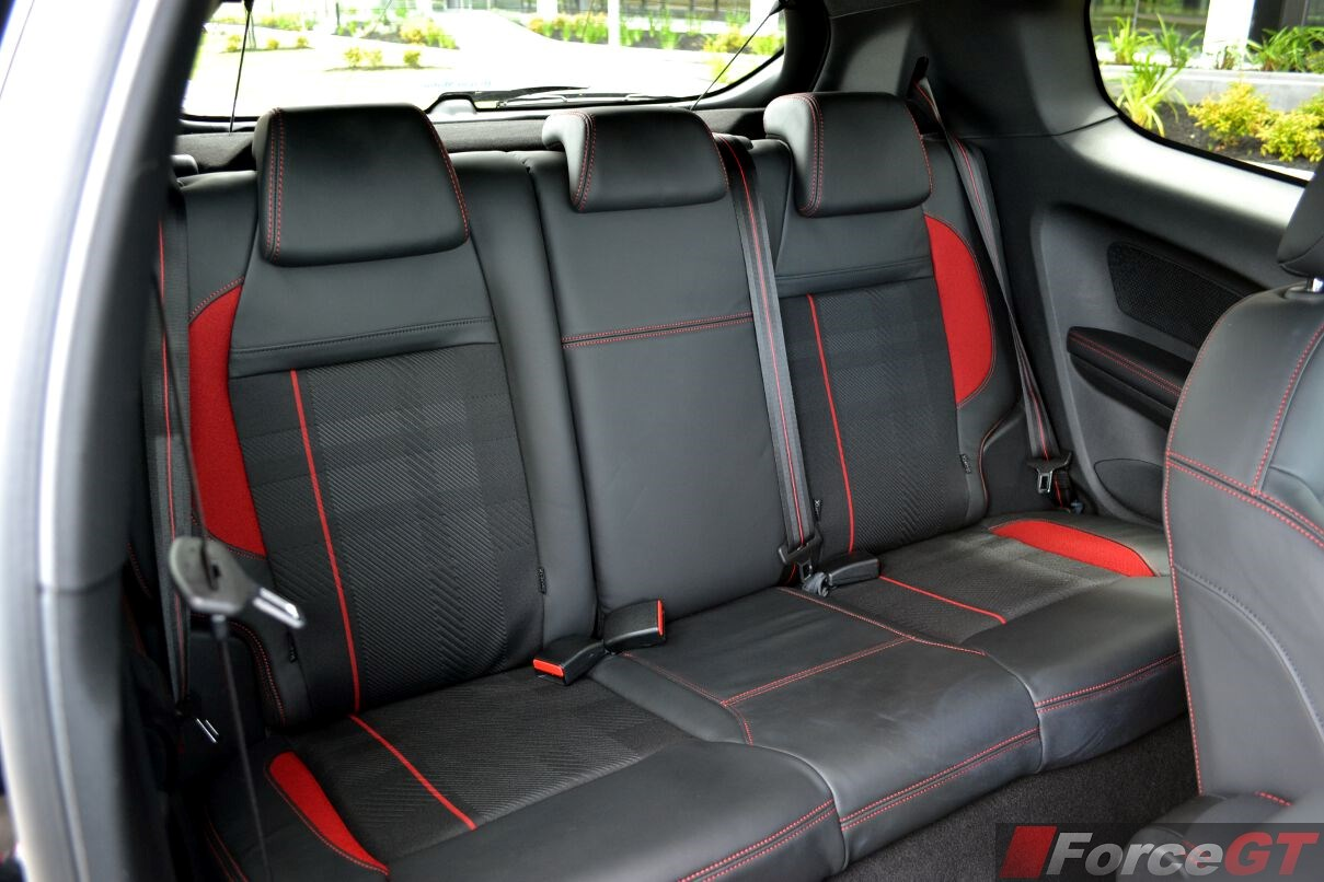 Peugeot 208 Review: 2013 Peugeot 208 GTi