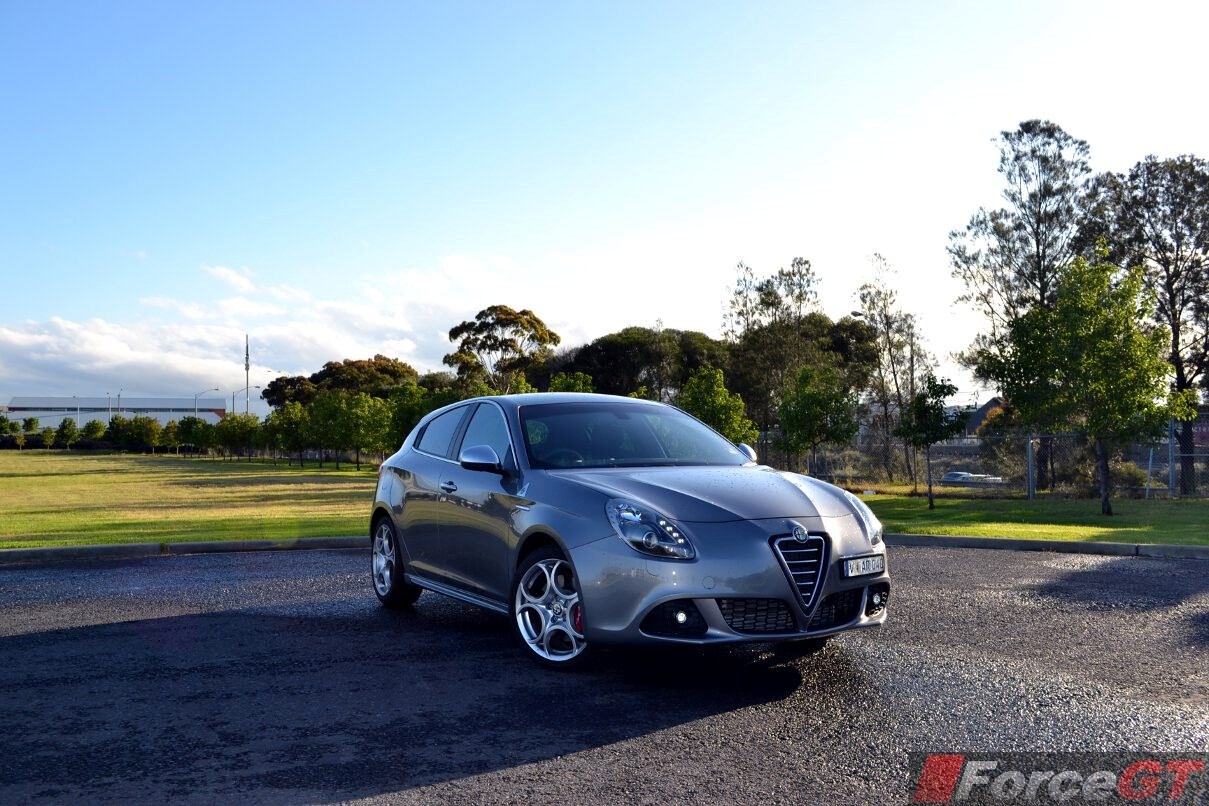 alfa romeo giulietta review 2013 giulietta qv. Black Bedroom Furniture Sets. Home Design Ideas