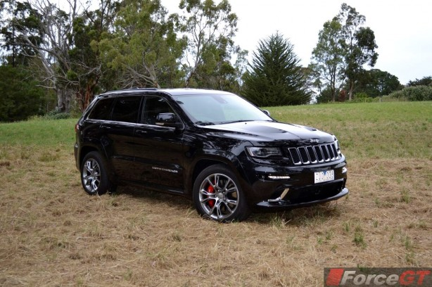 2013 Jeep Grand Cherokee SRT8 Front Quarter2