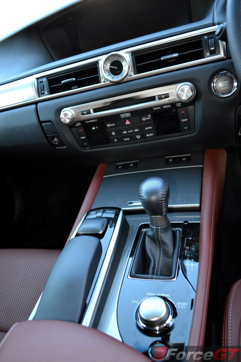2014 lexus is 350 awd f sport yahoo autos weblog. Black Bedroom Furniture Sets. Home Design Ideas