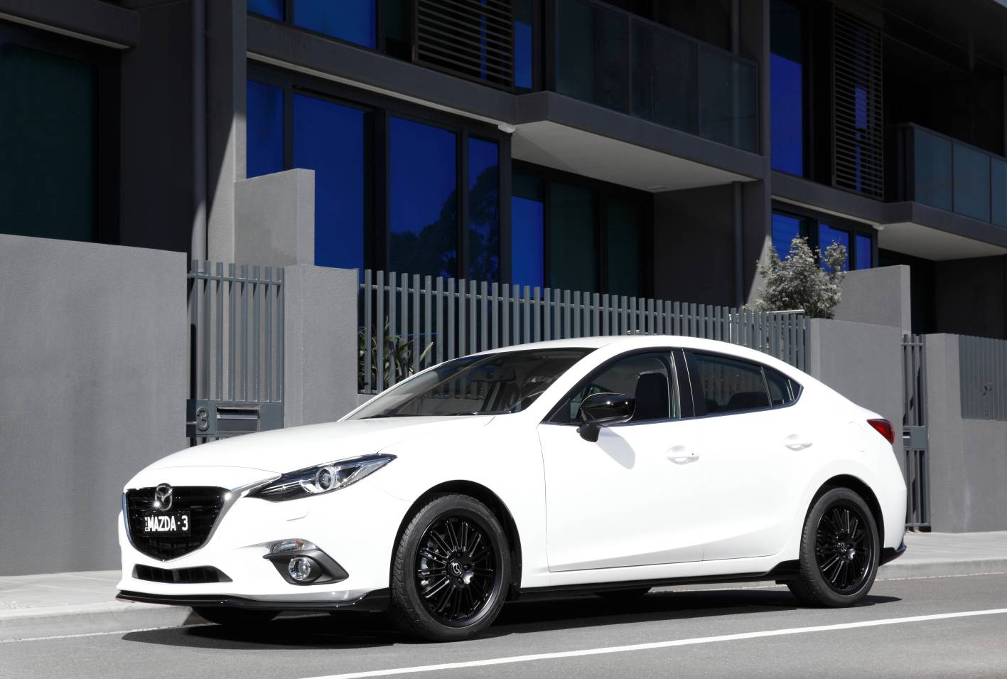 mazda cars news 2014 mazda3 launched from 20 490. Black Bedroom Furniture Sets. Home Design Ideas