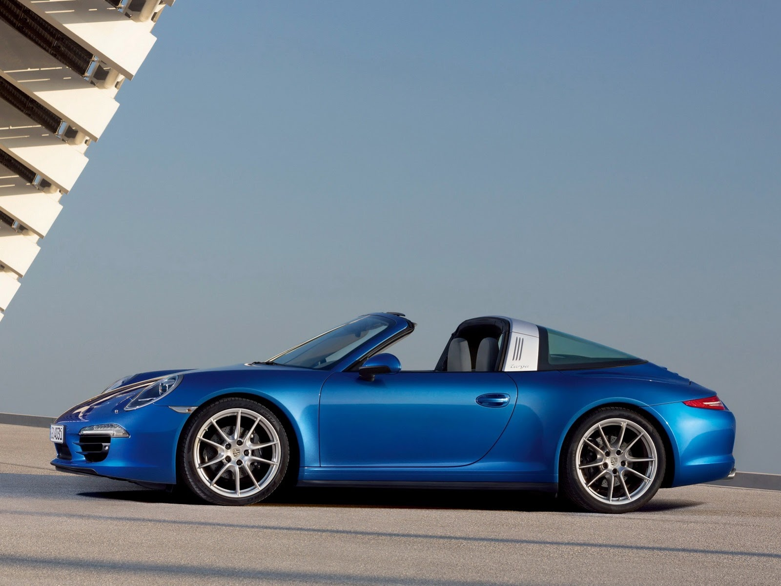 blue porsche 911 targa 4 side. Black Bedroom Furniture Sets. Home Design Ideas
