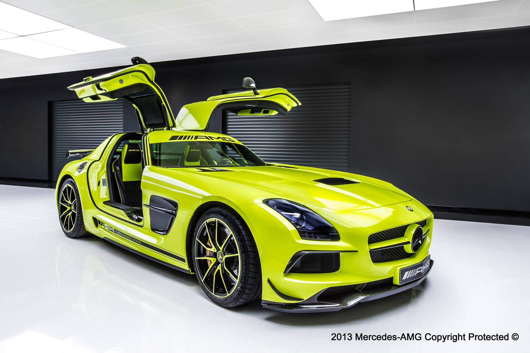 mercedes cars news bespoke sls amg black series. Black Bedroom Furniture Sets. Home Design Ideas