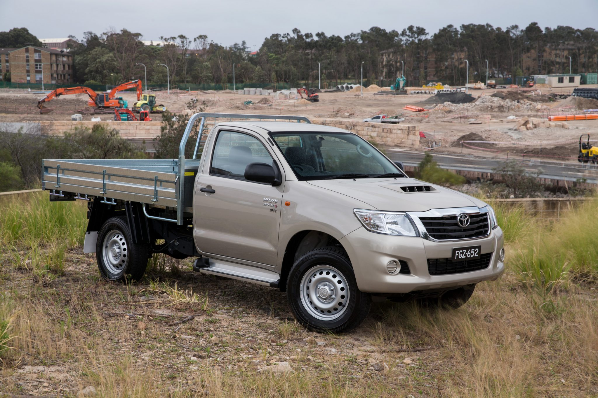 2014 toyota sr5 hilux specs autos weblog. Black Bedroom Furniture Sets. Home Design Ideas