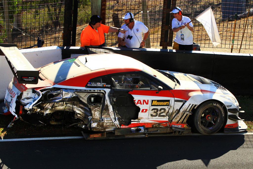 Nissan Cars News Gt R Nismo Gt3 Crashed Out Of 2014