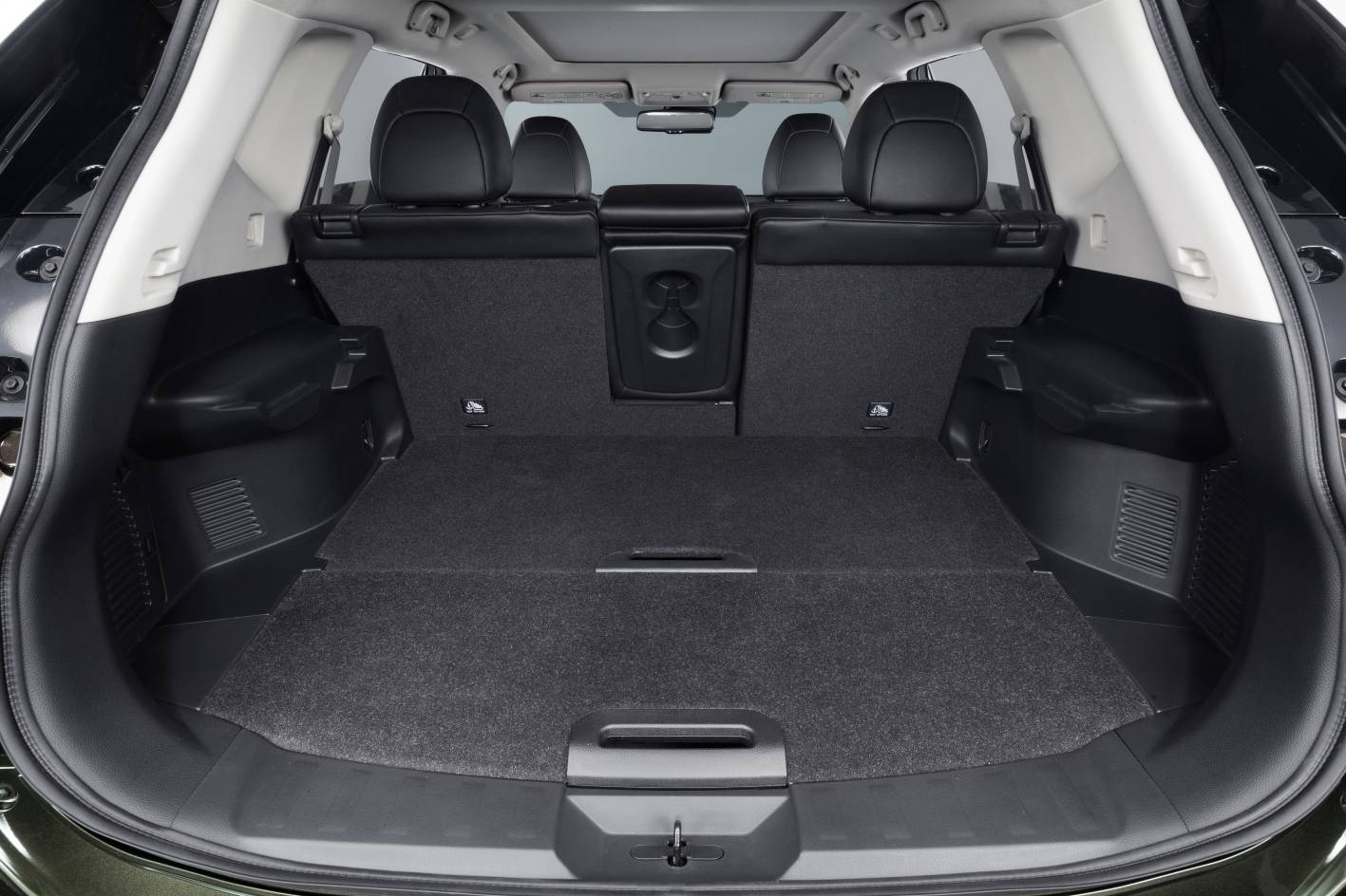 nissan x trail luggage space. Black Bedroom Furniture Sets. Home Design Ideas