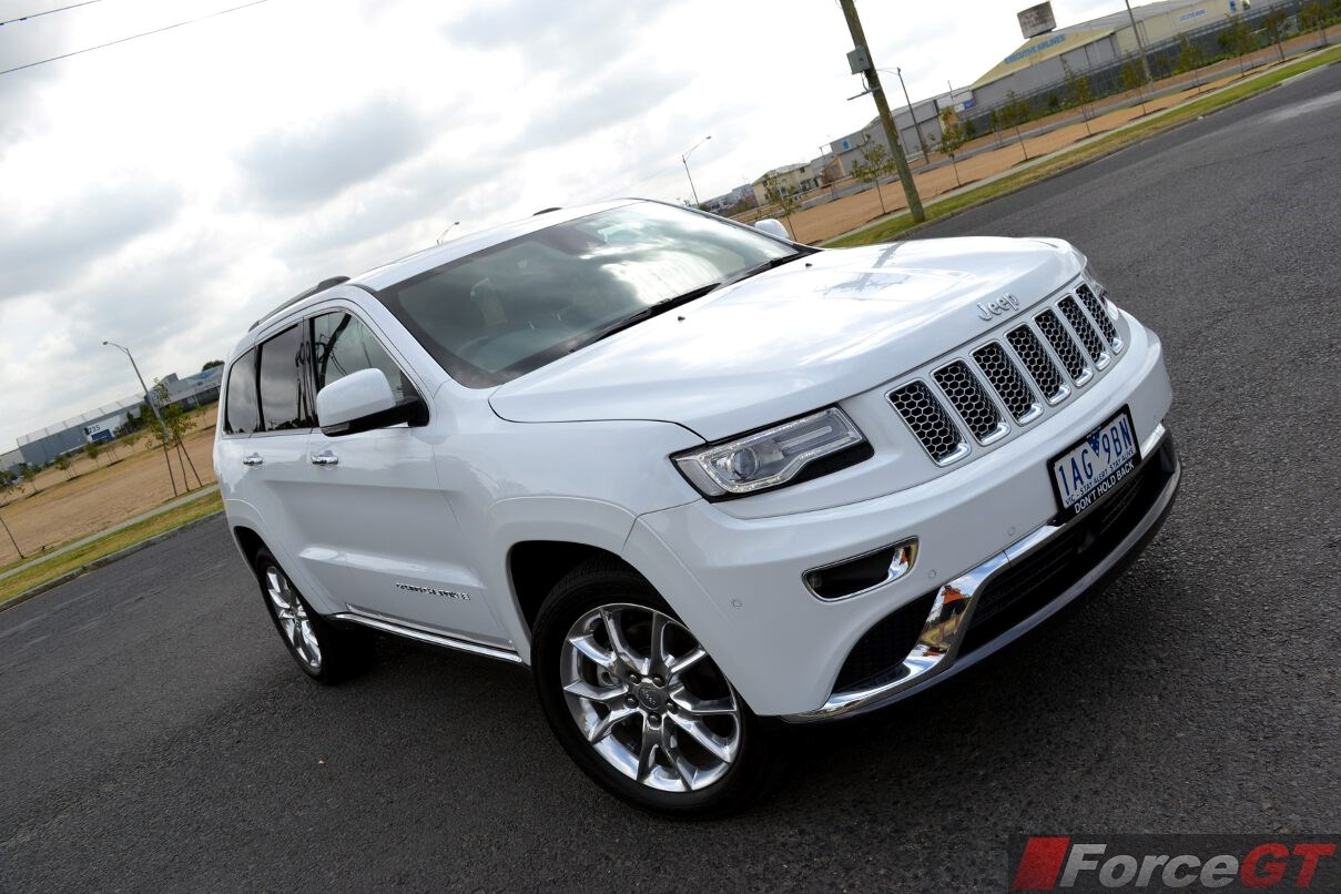2014 jeep grand cherokee summit diesel front. Black Bedroom Furniture Sets. Home Design Ideas