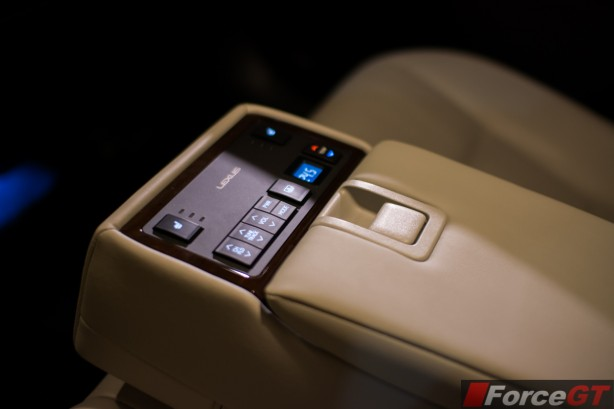 2014 Lexus ES350 rear seat climate control