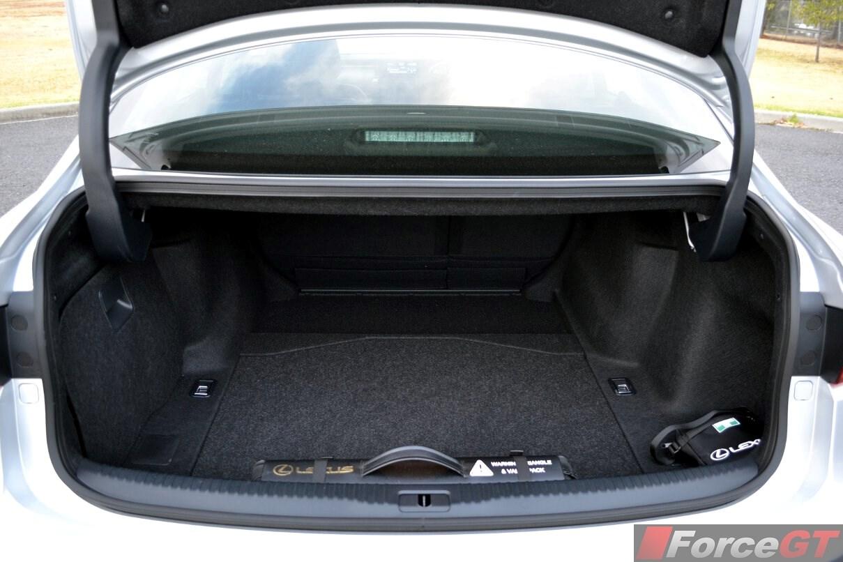 Lexus IS Review: 2014 Lexus IS 300h