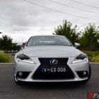2014-Lexus-IS300h-front