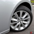2014-Lexus-IS300h-front-wheel
