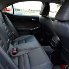 2014-Lexus-IS300h-rear-seats