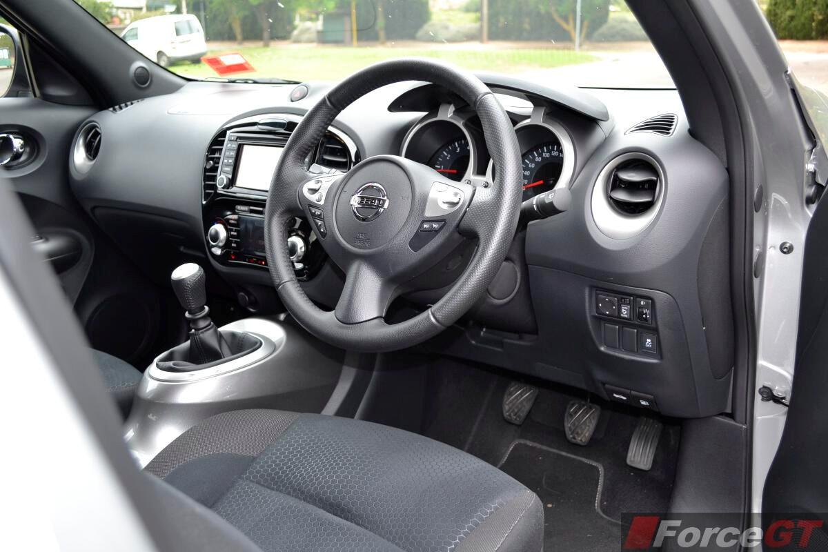 Nissan juke review 2014 juke st s 2wd manual for Nissan juke interieur