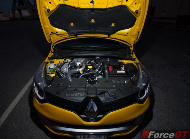 2014 Renault Clio RS engine