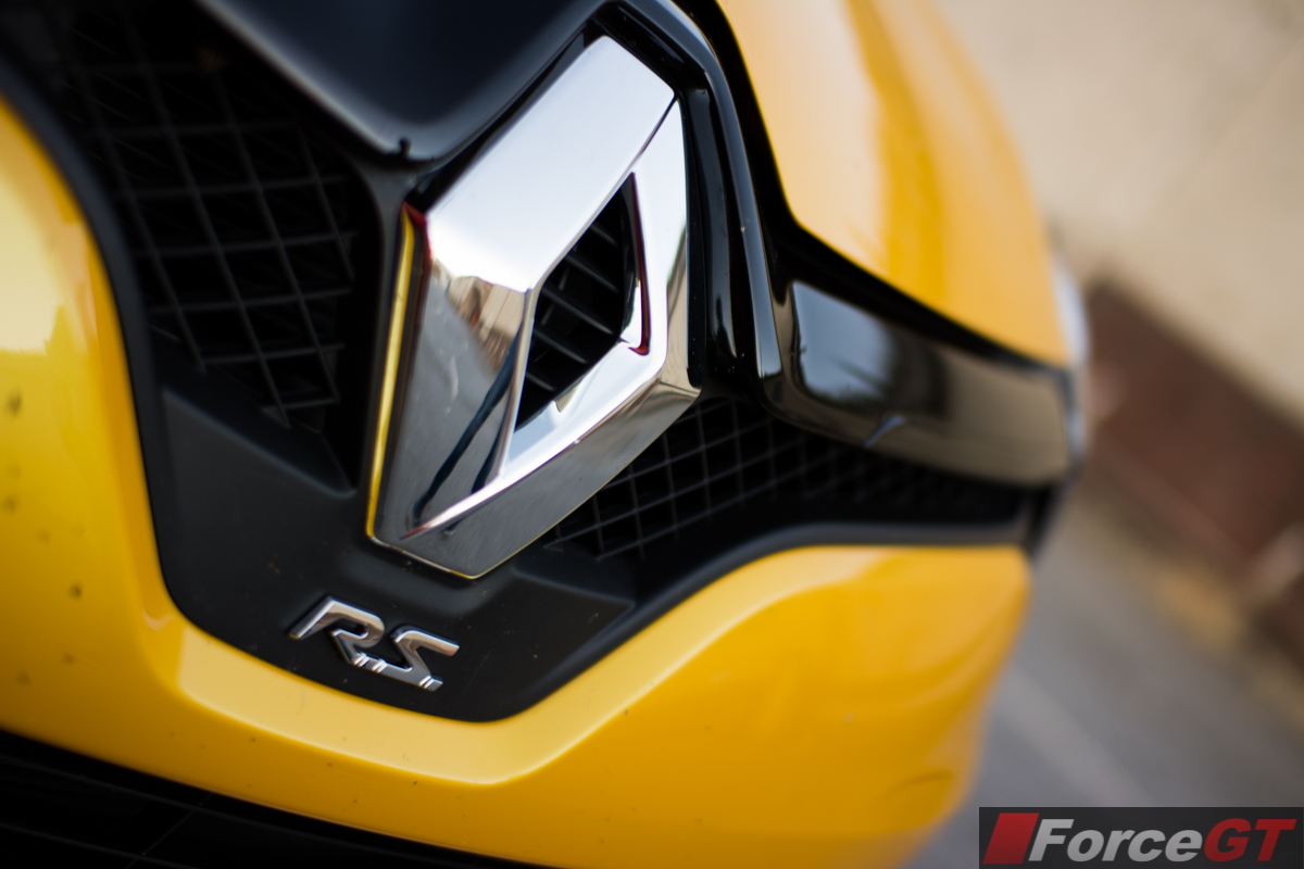 2014 Renault Clio Rs Front Grille Badge Forcegt Com