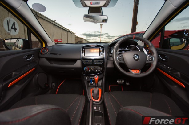 2014 Renault Clio RS interior