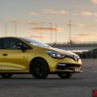2014 Renault Clio RS side rolling