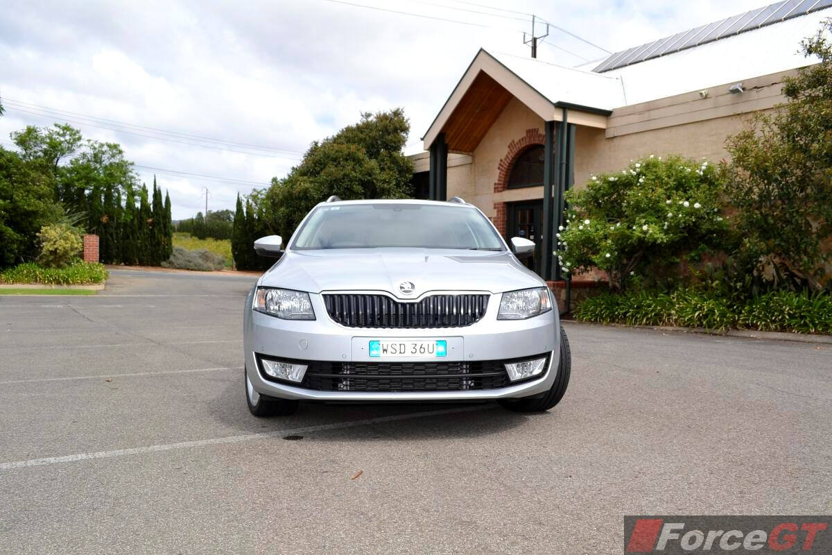 2014 skoda octavia elegance front. Black Bedroom Furniture Sets. Home Design Ideas