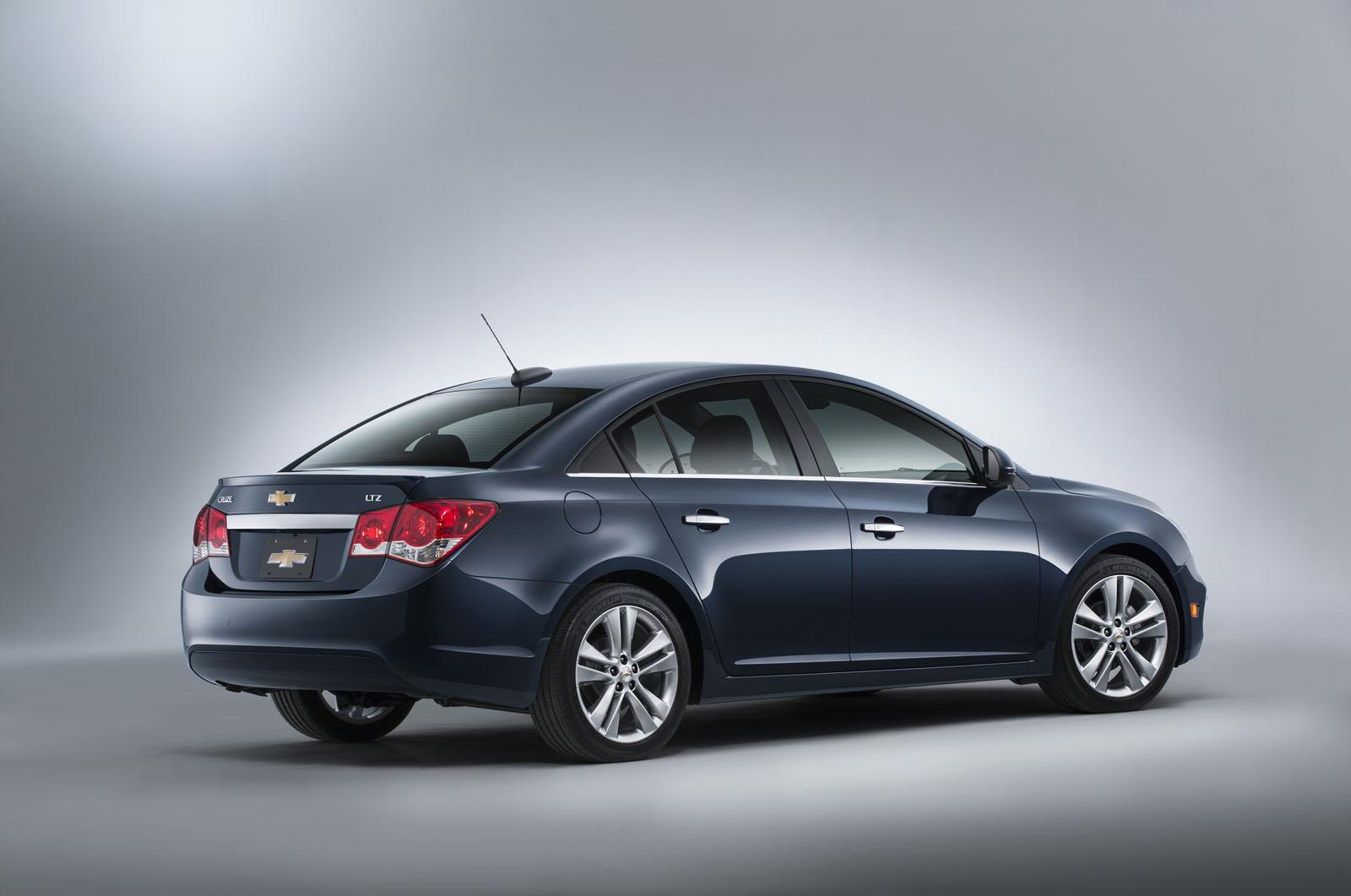 chevrolet cars news 2015 face lifted cruze unveiled. Black Bedroom Furniture Sets. Home Design Ideas