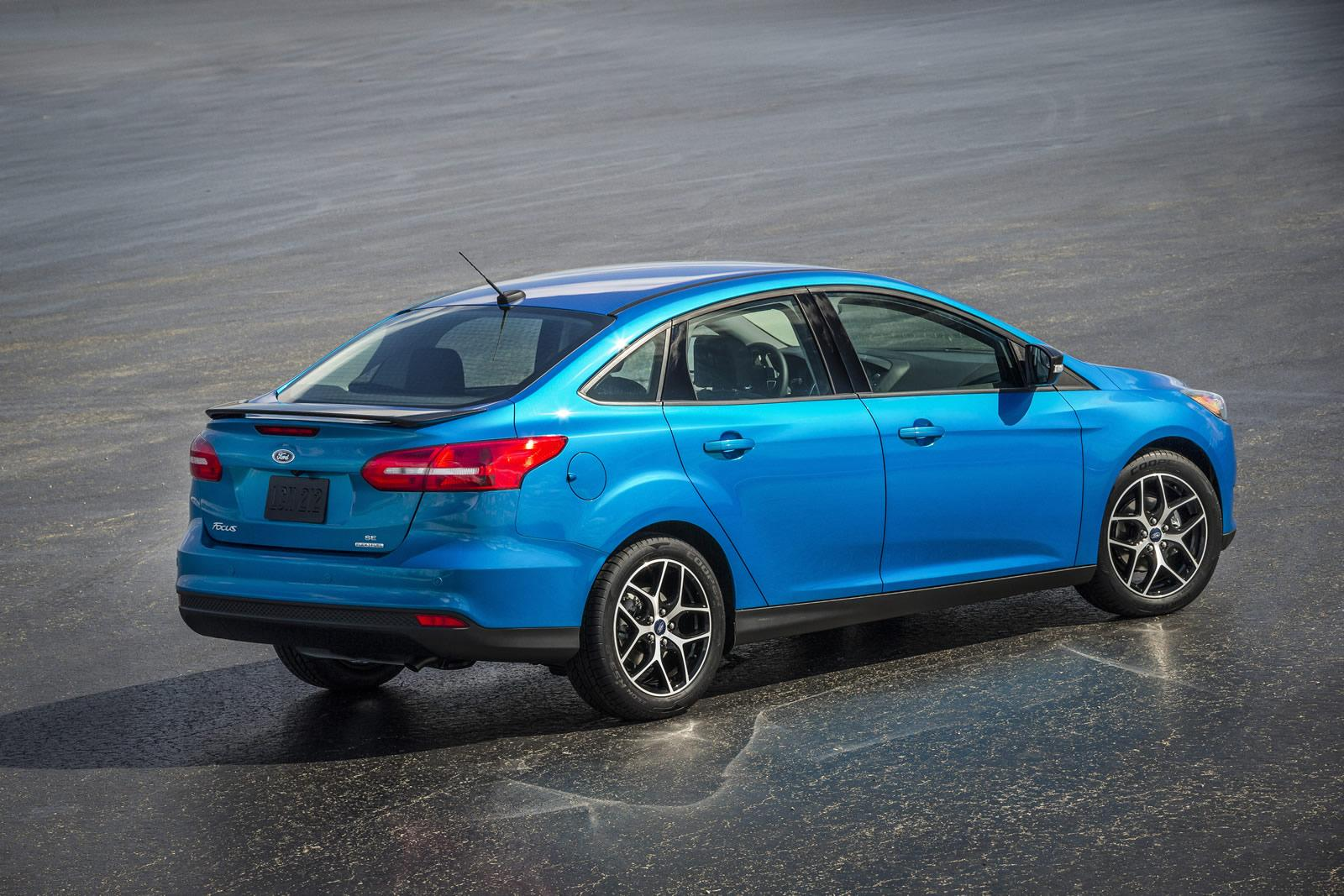 ford cars news revised 2015 ford focus sedan unveiled. Black Bedroom Furniture Sets. Home Design Ideas