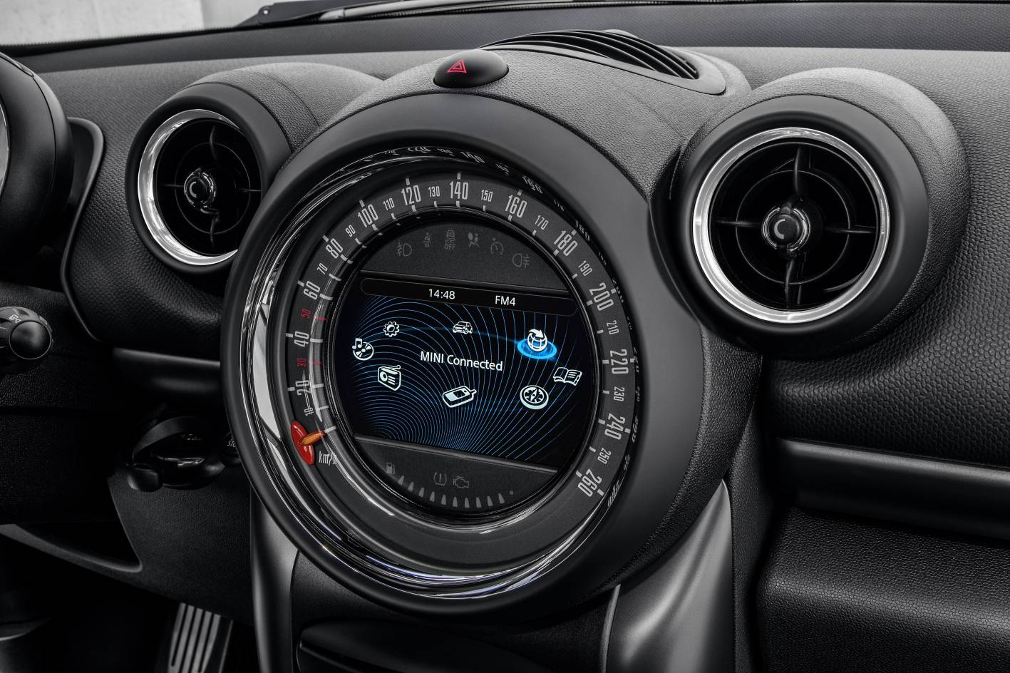 Mini cars news mini countryman gets mid life update - Countryman interior ...