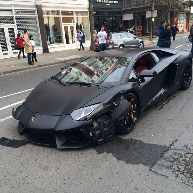 Lamborghini Crash Aventador Catapulted Into The Air