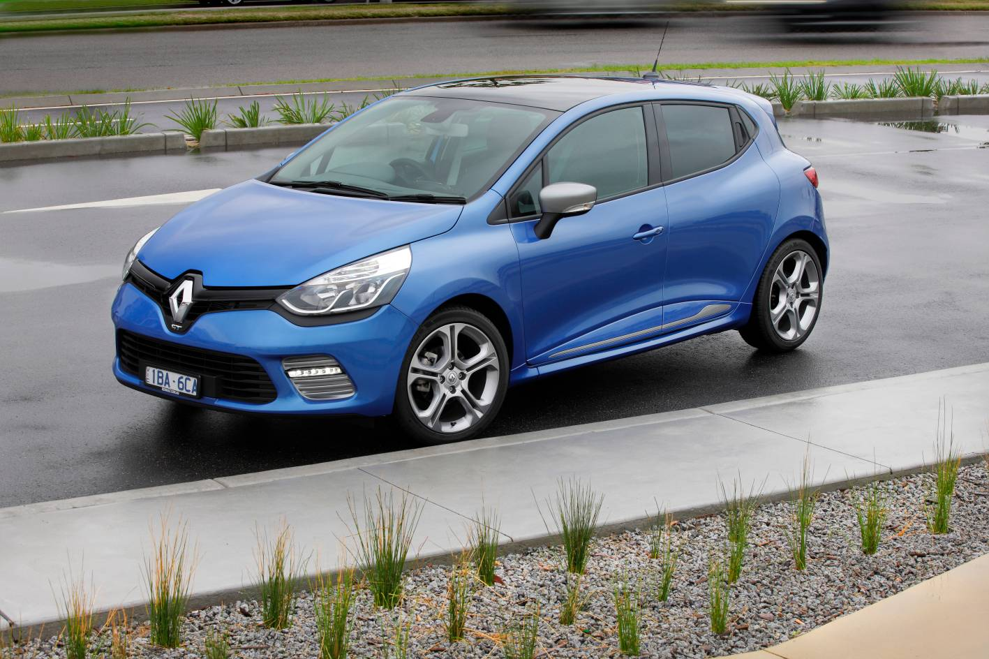 renault cars news clio gt launched from 25 290. Black Bedroom Furniture Sets. Home Design Ideas