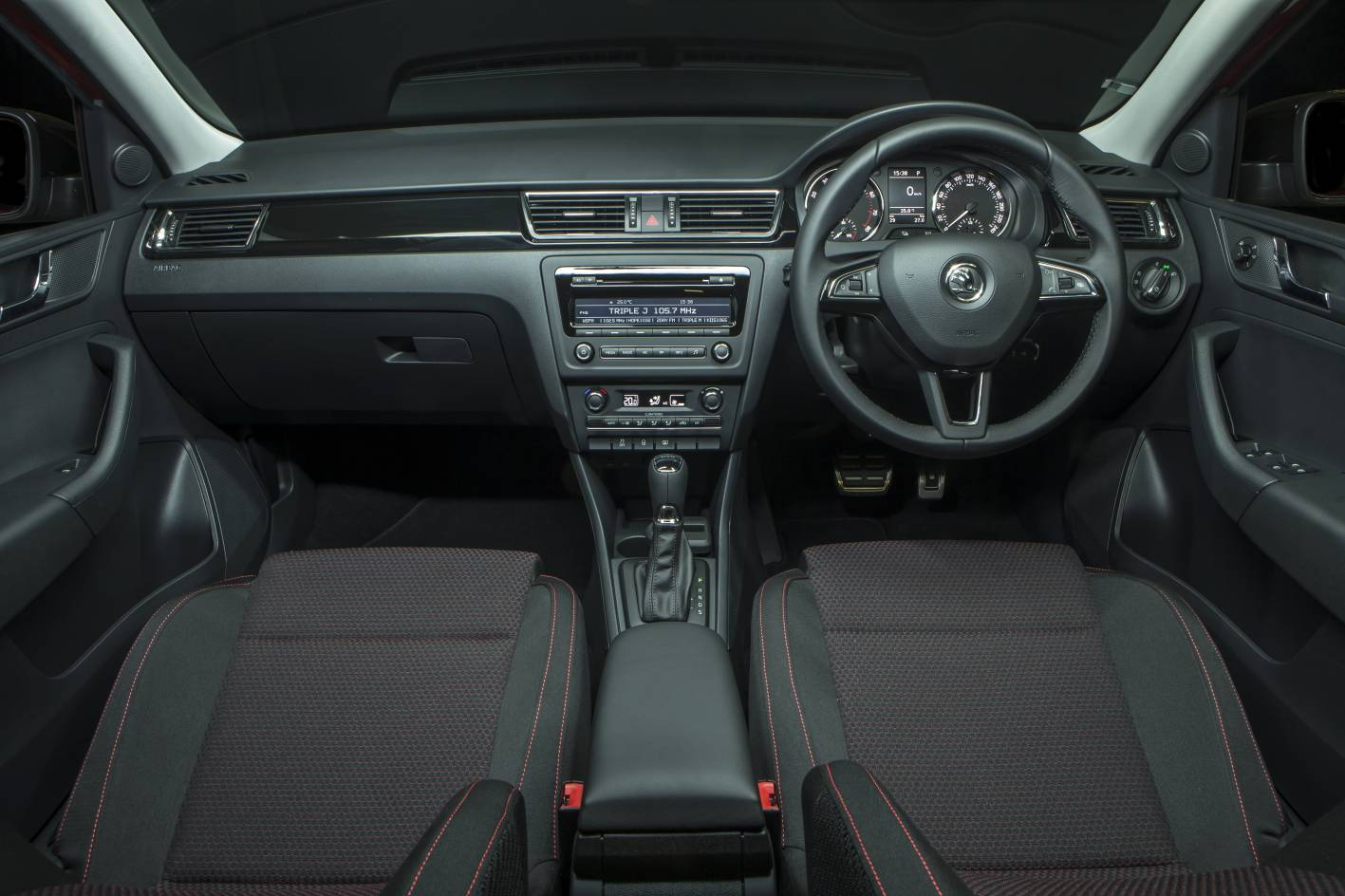 2014-Skoda-Rapid-Spaceback-interior - ForceGT.com
