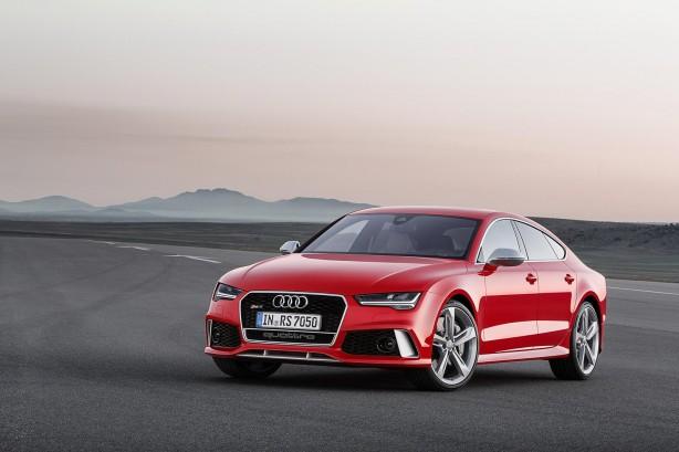 2015-Audi-RS7-Sportback-front-quarter