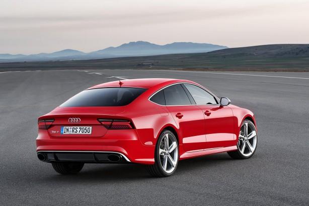 2015-Audi-RS7-Sportback-rear-quarter