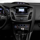 2015-Ford-Focus-ST-centre-console