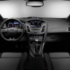 2015-Ford-Focus-ST-dashboard