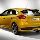 2015-Ford-Focus-ST-rear-quarter