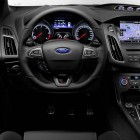 2015-Ford-Focus-ST-steering