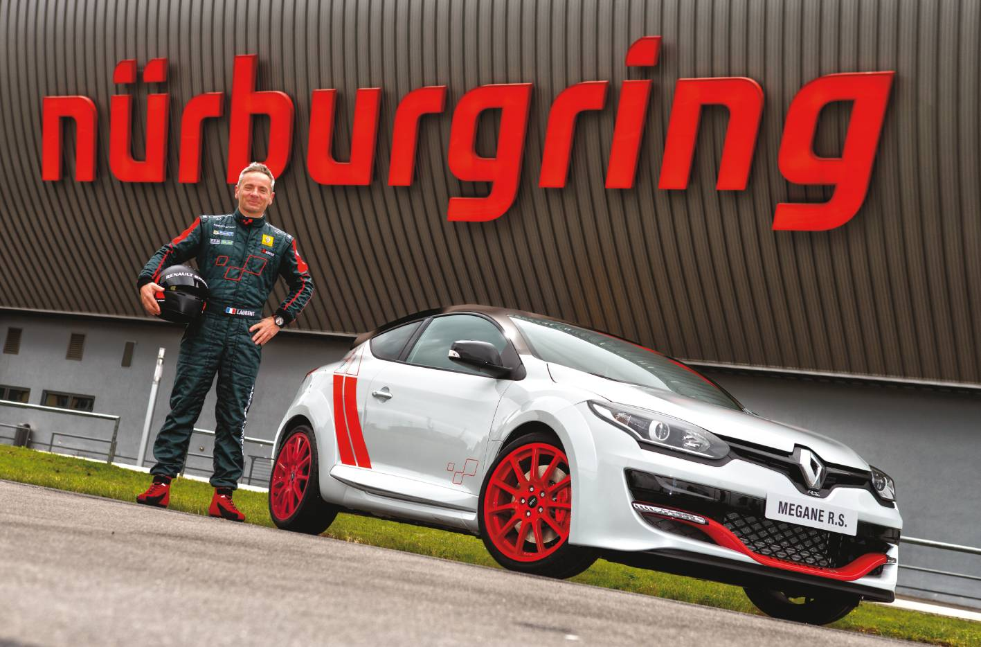 renault cars news m gane r s 275 trophy sets new 39 ring record. Black Bedroom Furniture Sets. Home Design Ideas
