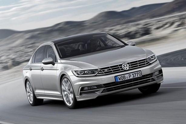 2015 Volkswagen Passat Sedan front quarter
