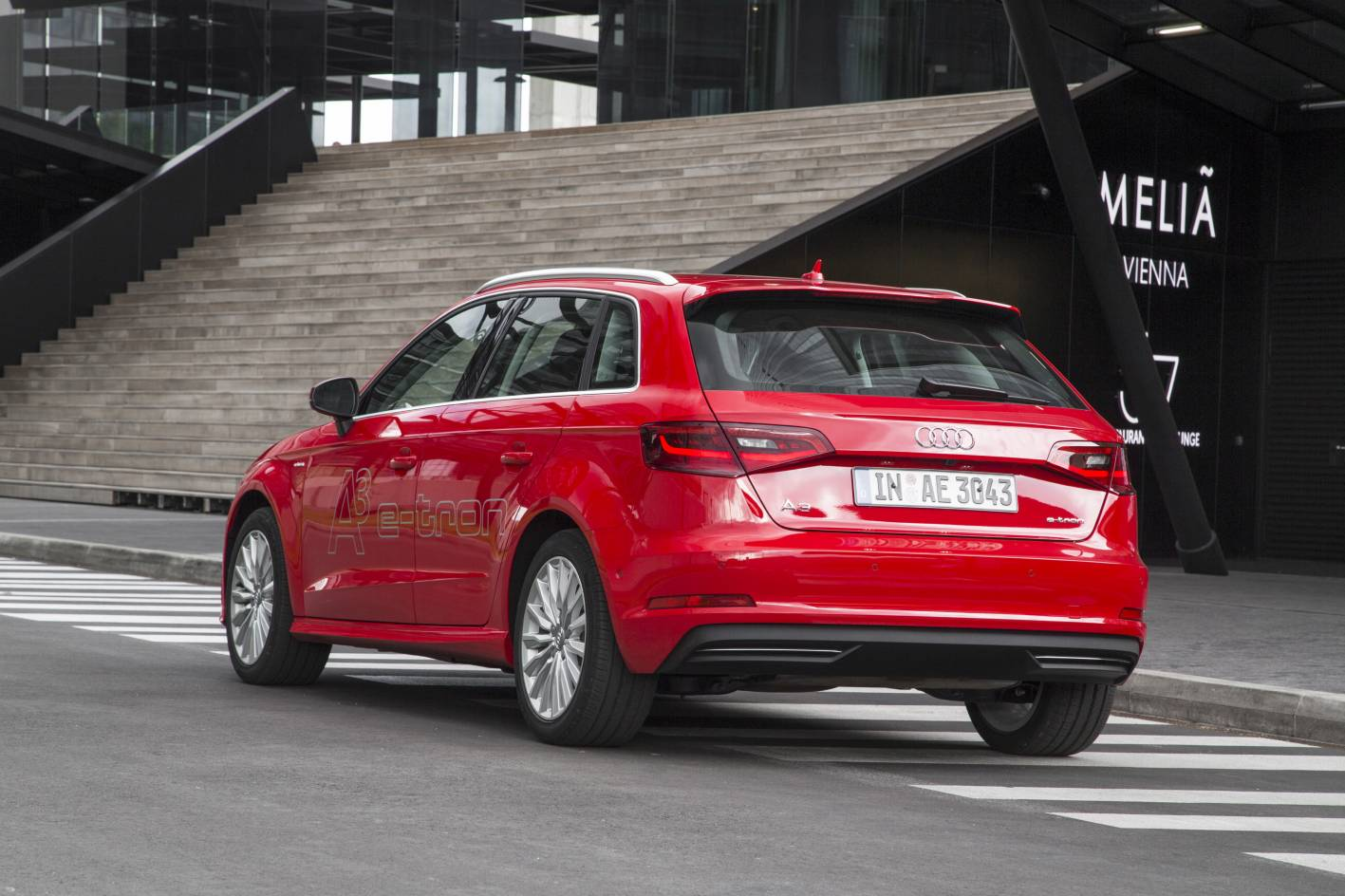 audi a3 e tron offers electric mobility from 60k. Black Bedroom Furniture Sets. Home Design Ideas
