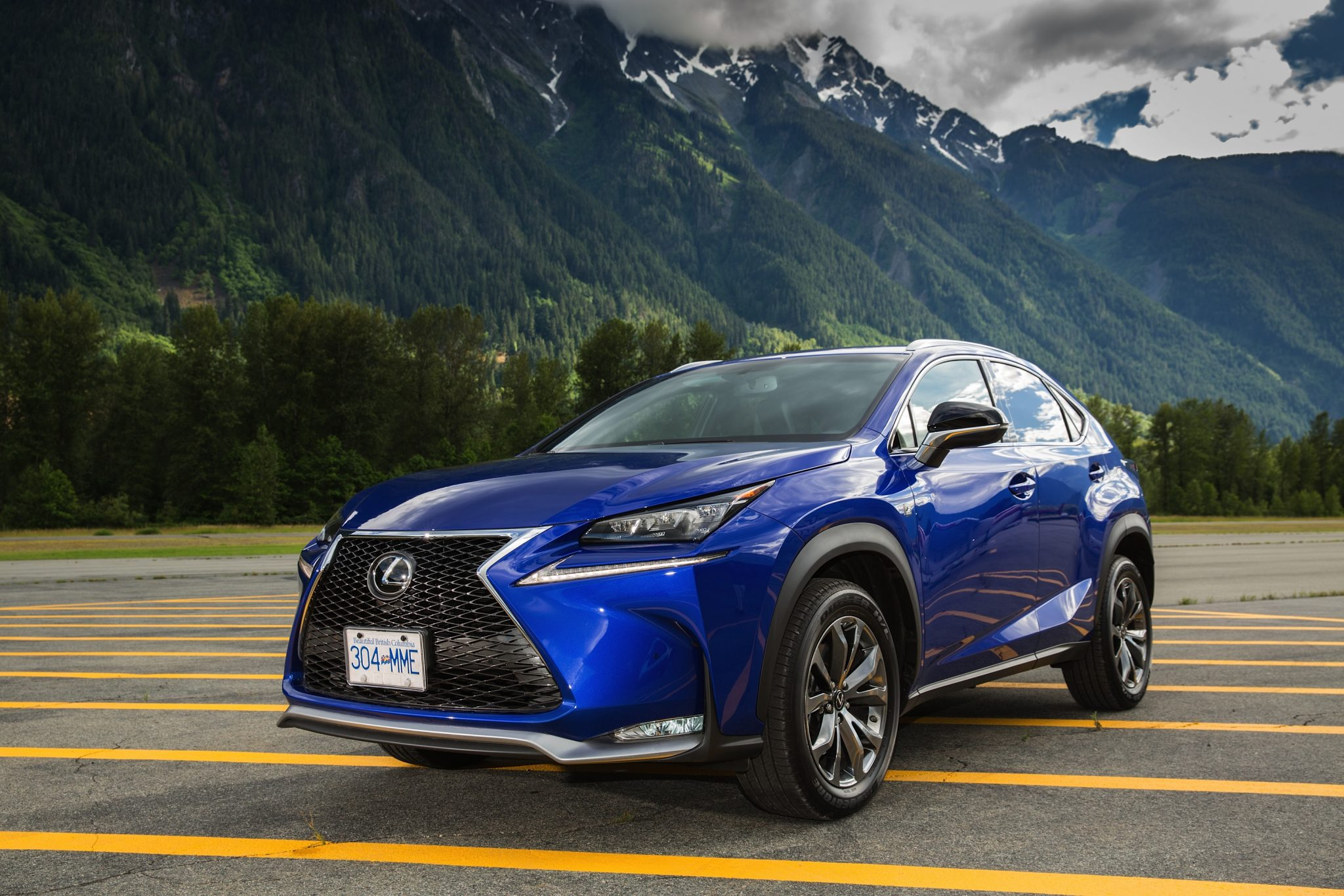 lexus cars news nx 300h priced from 55 000. Black Bedroom Furniture Sets. Home Design Ideas