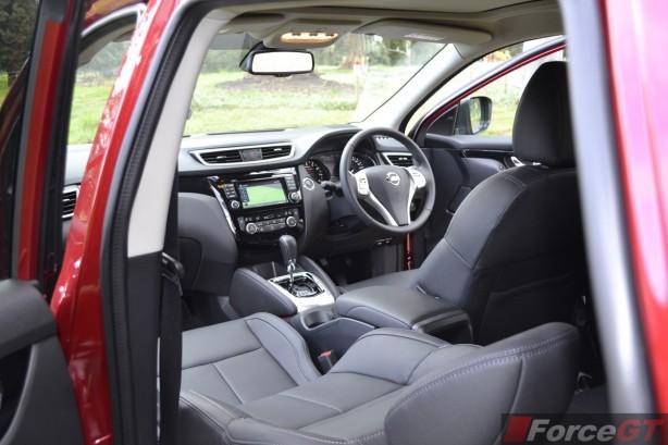 2014 Nissan Qashqai interior