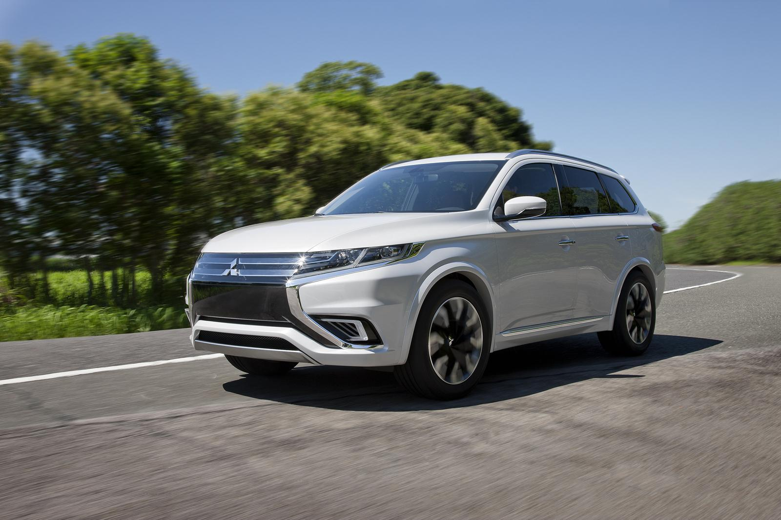 mitsubishi outlander phev concept s unveiled ahead of paris debut. Black Bedroom Furniture Sets. Home Design Ideas
