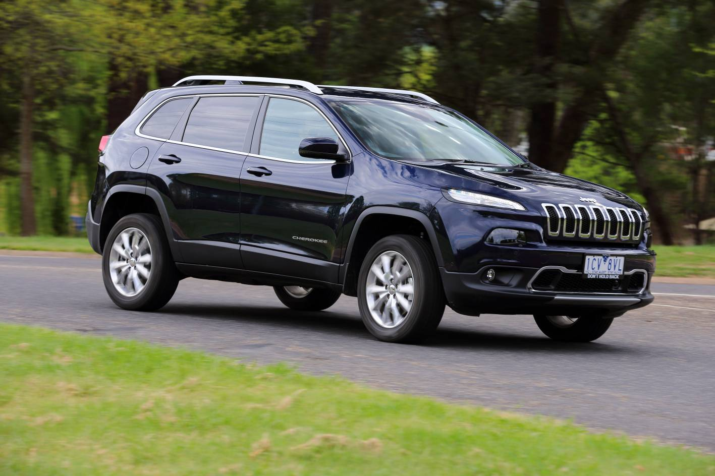 jeep cherokee review 2015 cherokee limited diesel. Black Bedroom Furniture Sets. Home Design Ideas