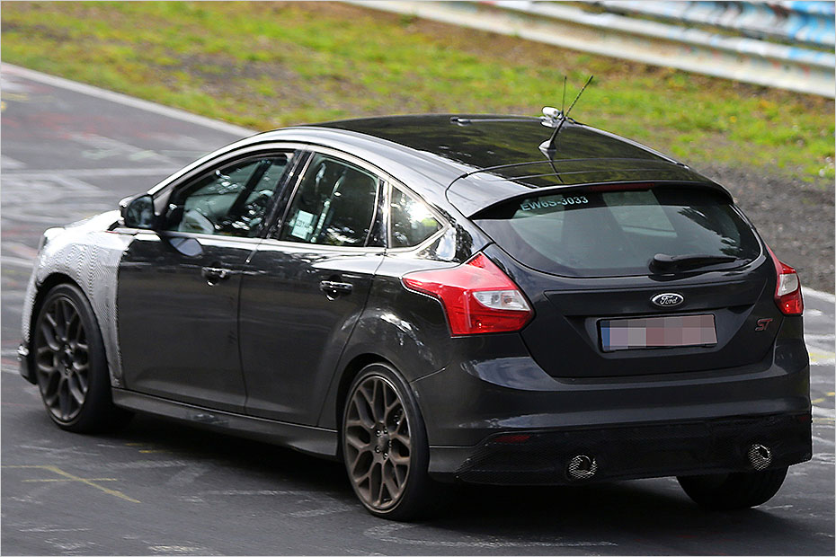 2015 ford focus rs scooped pounding the nurburgring. Black Bedroom Furniture Sets. Home Design Ideas