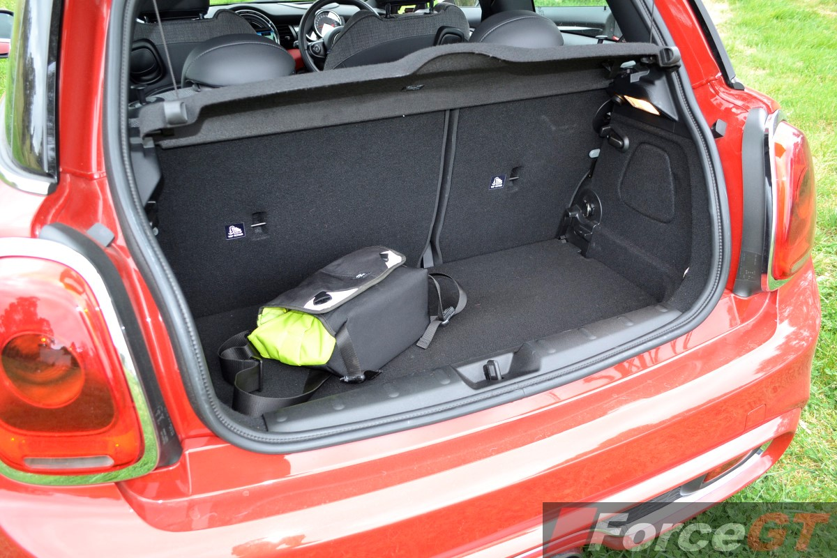 2014 mini cooper s luggage space. Black Bedroom Furniture Sets. Home Design Ideas