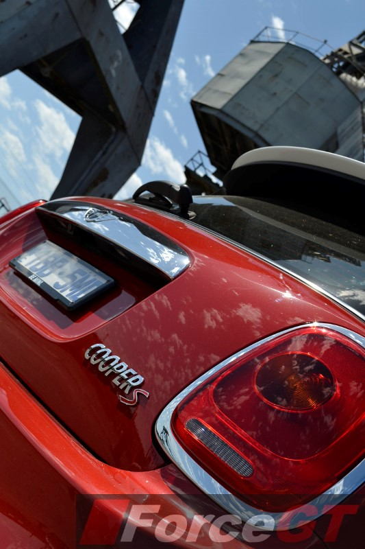 2014 MINI Cooper S rear taillight